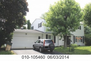 4 bedroom 3.5 bath free standing home, full basement