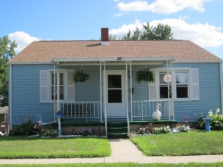 Great Home Close to Schools & Parks. Minimum Bid $60,000
