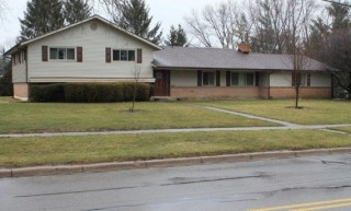 AUCTION CANCELED PENDING PRIOR SALE! 4BR Split Level in Centerville, Ohio w/ Online Bidding Available