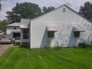 AUCTION - PERFECT STARTER HOME