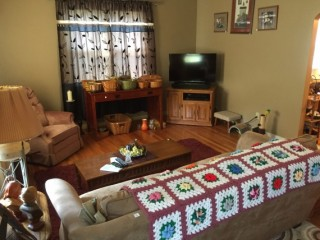 3 BEDROOM 1 BATH HOUSE JUST OF MAPLE AVE ZANESVILLE