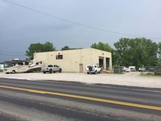 3500+ SF Commercial Building on 2.2 acres in Lancaster, Ohio