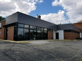 Light Manufacturing /Retail  Building For Sale !