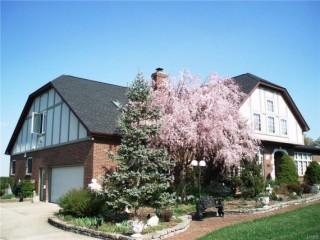 Bellbrook (Sugarcreek Twp) Executive Home on 3.8 Acres