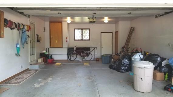 Two Car Attached Garage / Automatic Garage Door Opener
