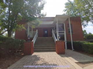 BRICK SCHOOL ADMIN BUILDING FOR AUCTION SALE