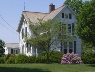 2 AC + FARM HOUSE SELLS ABSOLUTE TO HIGHEST BIDDER