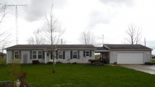 Single Story 3 bedroom 2 bath Home sits on Large lot