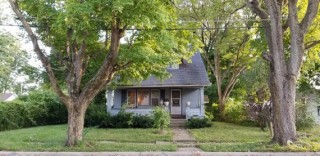 Beautiful 3 bedroom Home + attached garage