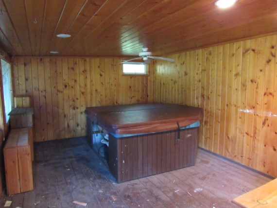 hot tub bonus room