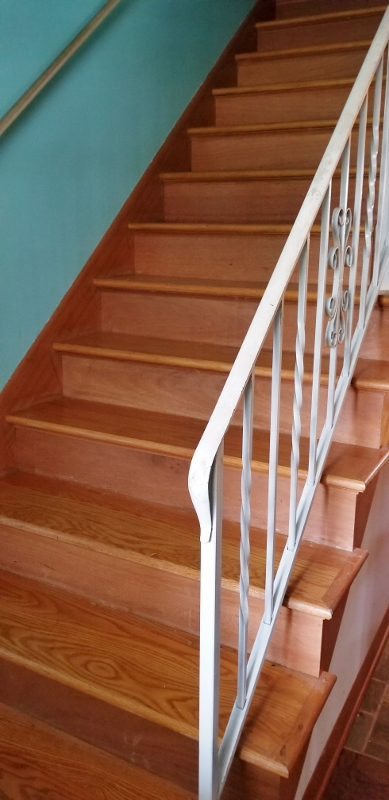 Stairway to 4 Bed Rooms Upstairs