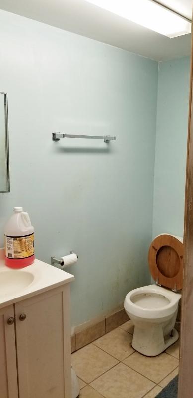 One Full Bath Room