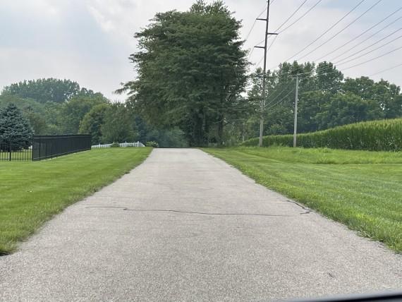 Bike path along bidding lot 1