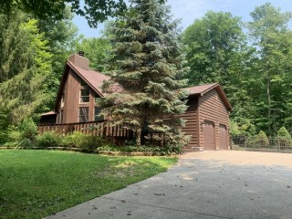 3 Bedroom Home, 9 acres and Outbuilding