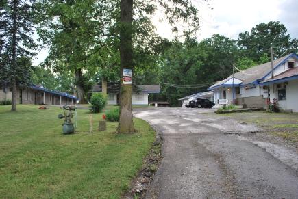 Motel driveway