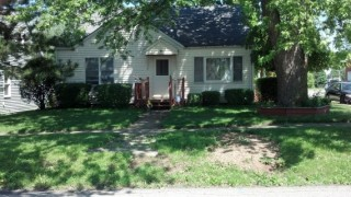 Cozy  4 Br. Home on Corner lot !!