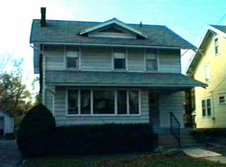 ABSOLUTE AUCTION !!  6 RM 3 BR HOUSE